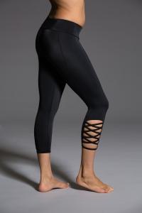 Капри для йоги Weave черный